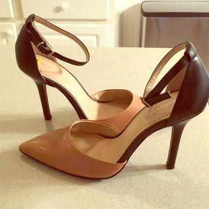 NWOT-BCBGeneration tan/Black leather heels.